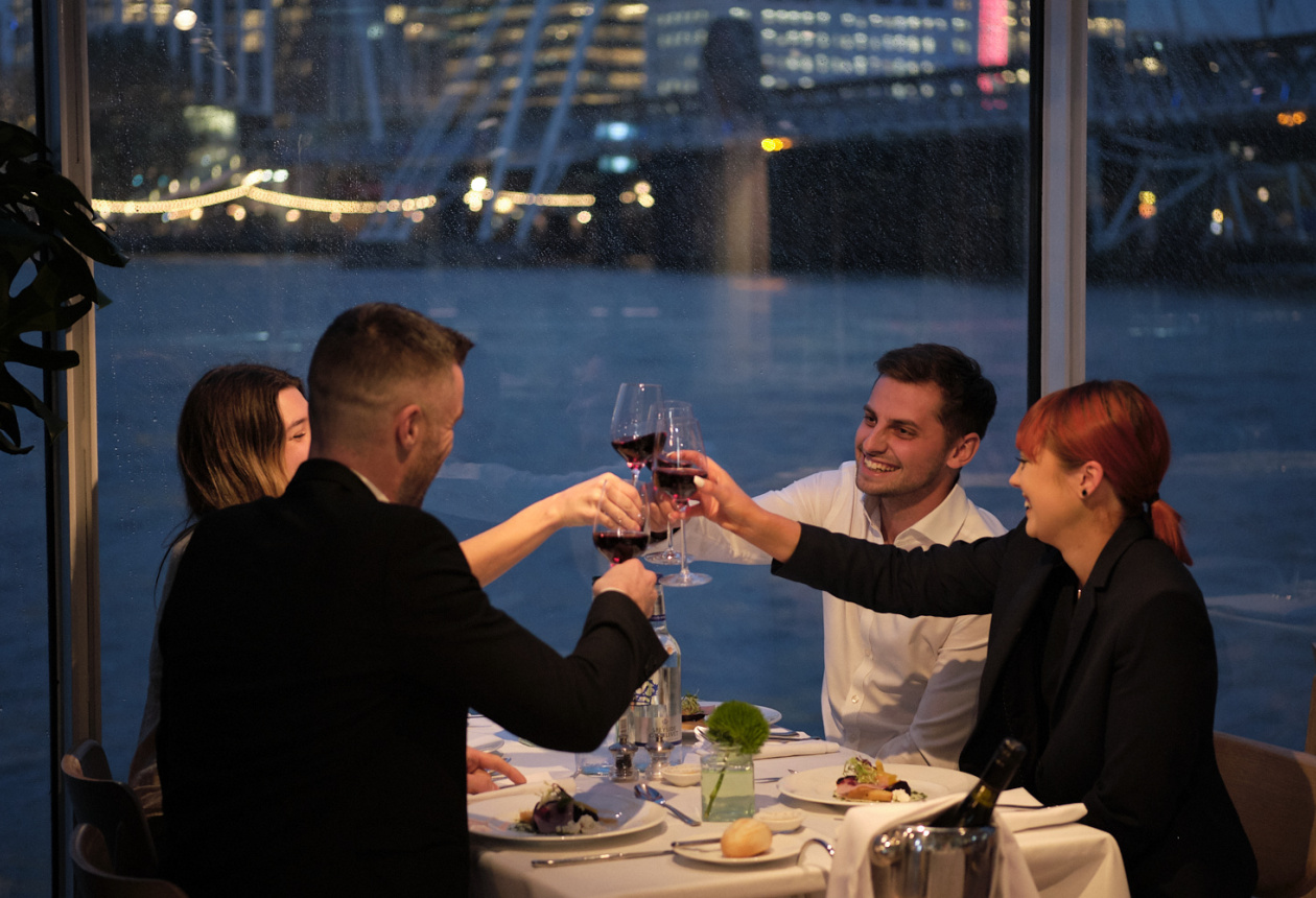 Dinner Experience Bateaux London